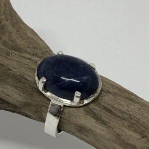 Sterlingsilverring med oval Lapis Lazuli