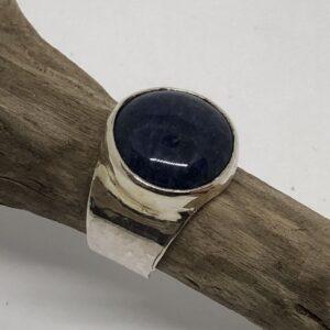 Sterlingsilverring med rund Lapis Lazuli